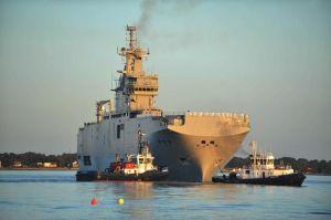 626260-le-vladivostok-navire-de-type-mistral-destine-a-etre-livre-a-la-russie-dans-le-port-de-saint-nazaire